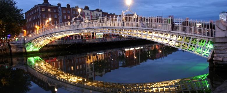 PTI Services The Ha'penny bridge in Dublin
